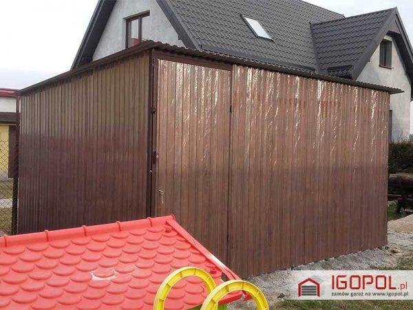 Garaz-blaszany-4x3m-spad-w-tyl