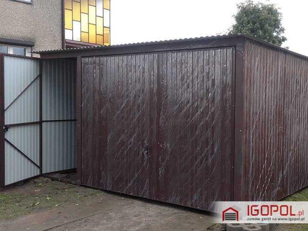 Garaż blaszany 4x5m – spad w tył – brama uchylna + drzwi