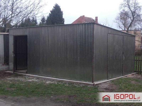 Garaz-blaszany-4x6m-spad-w-prawo-1