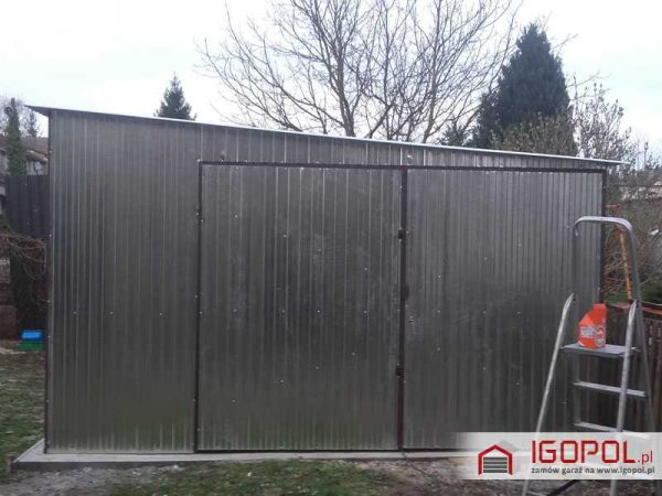 Garaz-blaszany-4x6m-spad-w-prawo-3