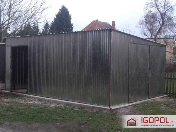 Garaż blaszany 4x6m – spad w prawo