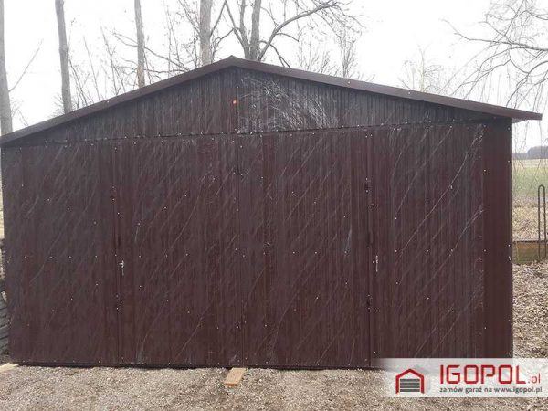 Garaz-blaszany-6x5,5m-dwuspadowy-kolor-ciemny-braz-ral-8017-1