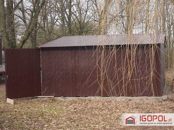 Garaz-blaszany-6x5,5m-dwuspadowy-kolor-ciemny-braz-ral-8017-4